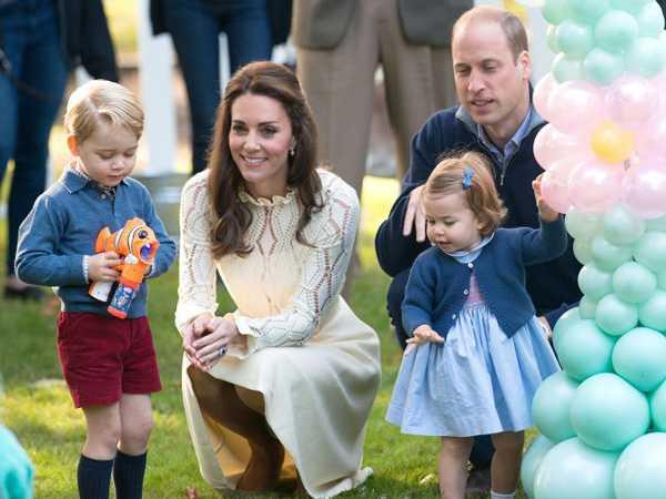 famiglia-reale-inglese-william-Kate-con-principini-george-e-charlotte