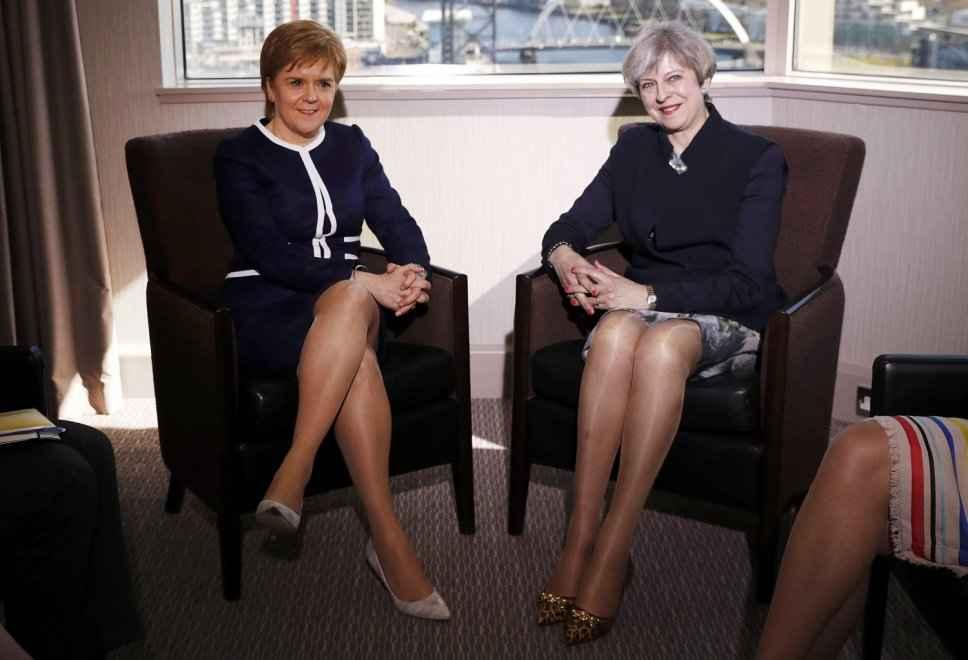 Dimenticate la Brexit, quella che conta e' la battaglia delle gambe!